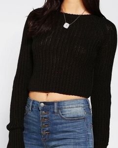 KIMCHI BLUE CROPPED KNITTED SWEATER Sz. M.